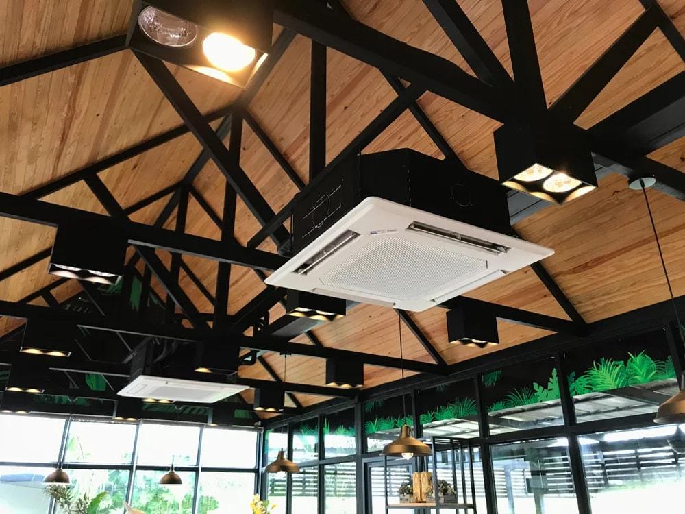 Climatisation professionnelle installées au plafond